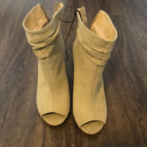 professional website outlet store sale soft and light Express beige open toe booties